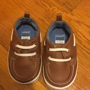 Carters baby boar shoes